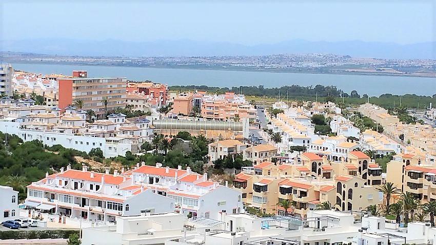 Apartamento con vistas en la mata inmobiliaria for Inmobiliaria torrevieja